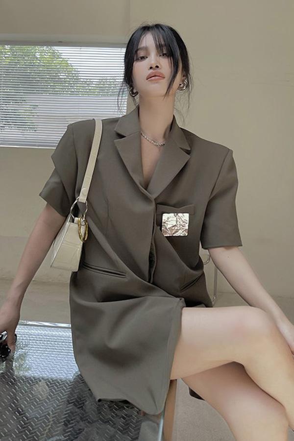 [당일배송] 헤이테 카키 브라운 보이핏 루즈핏 반팔 맥시 롱 블레이저 자켓 (M size)