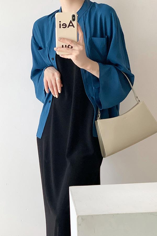 에이그 논카라 사이드 양포켓 루즈핏 오피스 데일리 셔츠 (블루)