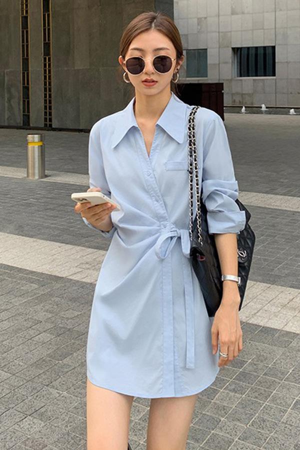리에 랩스타일 스트랩 백핀턱 루즈핏 코튼 셔츠 미니원피스 (블루,화이트)